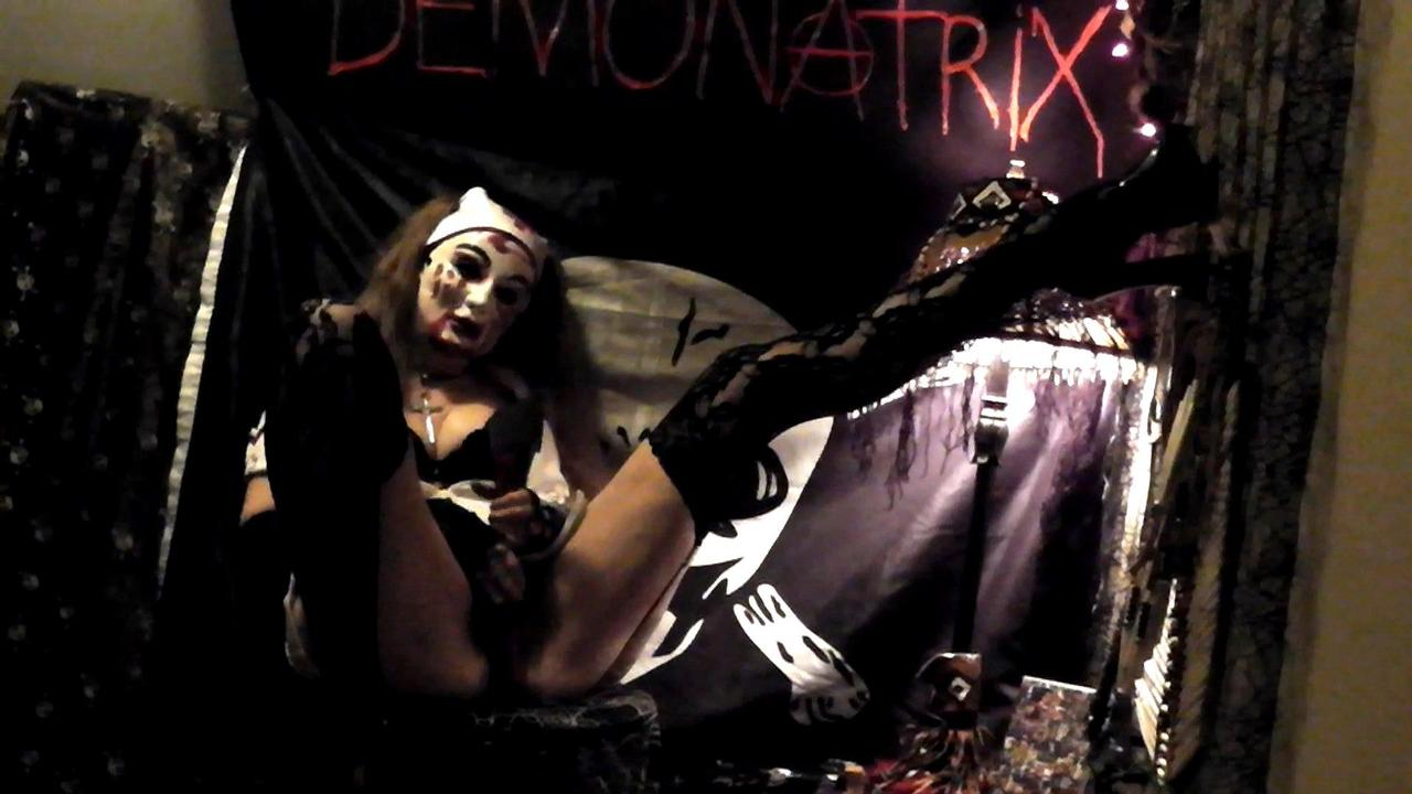 MIXTRESS DEMONATRIX